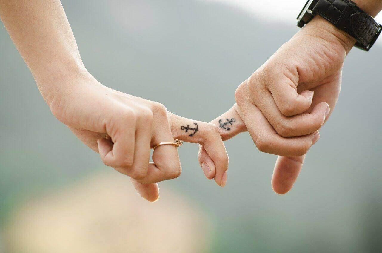 Reflexion in der Beziehung und Fragen an den Partner